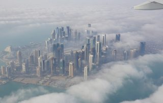 Ein Blick auf Doha aus dem Flugzeug