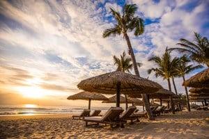 Traumhafter Strand beim Anam Resort