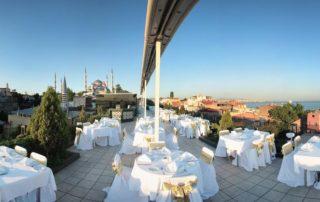 Restaurant am Dach des Eresin Crowne