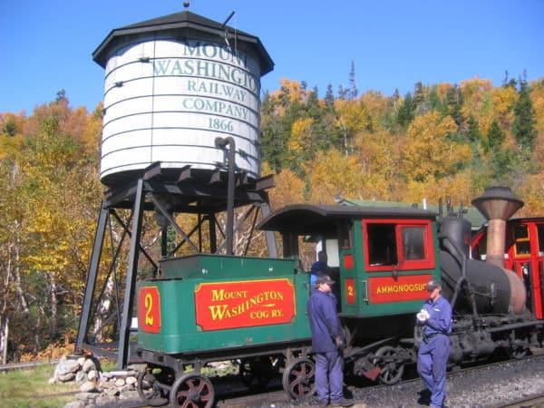 Zug in der Talstation